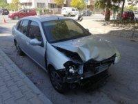 KPSS'ye yetişmeye çalışan iki kişinin yaptığı kaza kameralara yansıdı