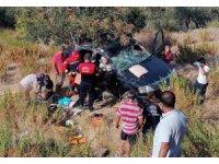 Araçta sıkışan kadını itfaiye ekipleri kurtardı