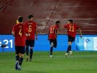 İspanya'nın genç yeteneği Ansu Fati, kaydettiği golle ülke tarihine geçmeyi başardı.