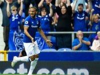 Cenk Tosun'un transferi için Everton'ın Sportif Direktörü Marcel Brands ile bir görüşme gerçekleştirdi.