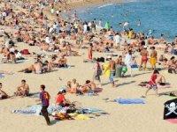 Fransız turist havalimanında yakalandı. Turiste 1200 EURO para cezası kesildi.