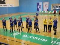 Türkiye Kadınlar Hentbol Ligi'ne hazırlık amacıyla düzenlenen Halikarnassos Hentbol Turnuvası başladı.