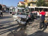 Isparta'da 1'i otobüs, 3 araç birbirine girdi: 1 yaralı