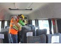 Isparta'da yeni eğitim öğretim yılı öncesi okul servisleri dezenfekte edildi