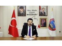 Başkan Sayan'dan Ağrılı gençlere destek veren Selçuk Bayraktar'a teşekkür
