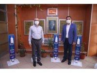 Başkan Çiftçi, okullara dezenfektan seti dağıttı