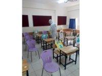 Büyükşehir okulları dezenfekte ediyor