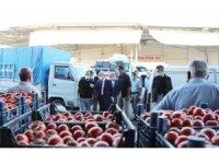 Vali Demirtaş, sebze ve meyve hali esnafıyla buluştu