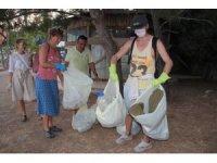 Avustralya'daki hayatını bırakan dilbilimci Svetlana, Kemer'de köşe bucak temizlik yapıyor