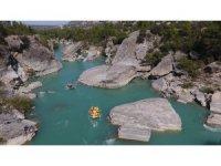 Göksu Irmağı'nda rafting keyfi