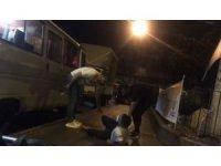 İstanbul'da hareketli dakikalar kamerada: Polisten kaçan hırsızlar kaza yaptı