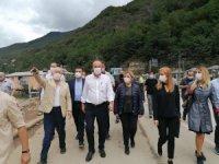 Muharrem İnce geçtiğimiz ay yaşanan afette büyük zarar gören Giresun'un Dereli ilçesini ziyaret etti