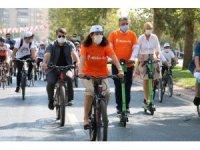 Kahramanmaraş'ta 7'den 70'e binlerce kişi pedal çevirdi