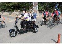 Belediye başkanının yeni makam aracı elektrikli motosiklet