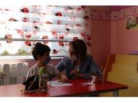 Nevşehir Valisi Becel, okula başlayan minik öğrencileri ziyaret etti
