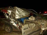 Hafif ticari araç ile kamyon çarpıştı