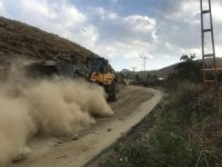 Hakkari'de yol yapım ve asfalt çalışması