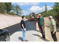 Kaymakam Karadağ, yol asfalt çalışmalarını inceledi