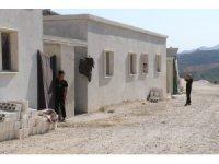 Suriyelilerin betonarme ev sevinci