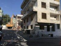 Büyükçemece'de riskli binaların dönüşümleri devam ediyor