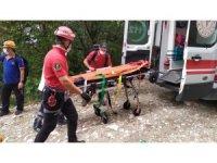 Bursa'da şelaleden aşağı düşen kadın, yaralı kurtarıldı