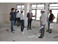 Cizre Kaymakamı Sinanoğlu okul inşaatında incelemelerde bulundu