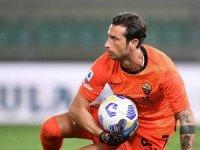 Serie A'nın ilk hafta maçında yanlış bilği veren Roma, Hellas Verona maçında 3-0 yenik sayıldı.