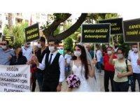 Düğün saloncuları ve organizasyonculardan temsili gelin-damatlı eylem