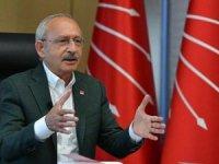 Erdoğan'ın avukatları sigara küllüğü istediğinde, ayağa kalkıp getiren yargıçlar var.