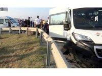 Silivri'de işçileri taşıyan servis kaza yaptı: 2'si ağır 8 yaralı