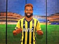 Antalyaspor'dan transfer ettiği milli futbolcu Nazım Sangare ile 4 yıllık sözleşme imzaladı.