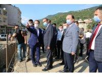 Bakan Kasapoğlu selden zarar gören Dereli ilçesini ziyaret etti