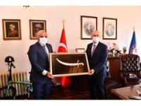 Ulaştırma ve Alt Yapı Bakanı Adil Karaismailoğlu Trabzon'da Büyükşehir Belediyesi'nin çalışmaları ile ilgili bilgi aldı