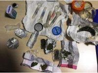 Polisin şüphelendiği otomobilden uyuşturucu madde çıktı
