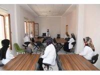 Muş Belediyesi meslek kursları ile kadınlara iş imkânı sağlıyor
