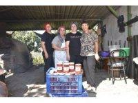 Ata tohumlarından yetiştirilen domatesler ihtiyaç sahiplerine ulaştı