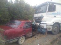 Kastamonu'da otomobil ile kamyon çarpıştı: 2 yaralı