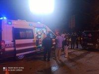 Başkent'te kırmızı ışıkta geçen otomobil kaza yaptı: 3 yaralı