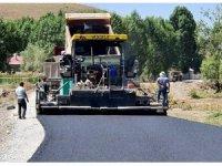 Van Büyükşehir Belediyesi Çaldıran'daki asfalt çalışmalarını tamamladı