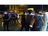 Mahalllede kavga çıktı, sokak savaş alanına döndü