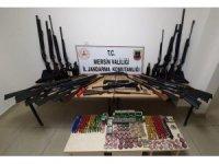 Mersin'de 39 adet av tüfeği ile 9 adet kuru sıkı tabanca ele geçirildi