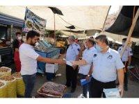 Karaköprü'de pazar yerlerinde maske ve mesafe denetimi