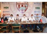 Bandırmaspor, Anıl Başaran ile resmi sözleşmeyi imzaladı