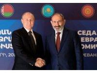 Putin Ermenistan Başbakanı Paşinyan ile görüştü
