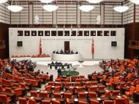 AKP Grup Başkanı Naci Bostancı, AKP'li milletvekillerinden COVİD-19 testi yaptırmasını istedi.