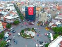 Ali Özkan belediyenin yani milletin parasıyla siyaset yapacak öyle mi? Yok öyle yağma, bu bir nevi zimmettir.