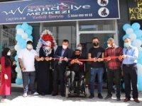 Van'da bedensel engelli vatandaş tekerlekli sandalye merkezi açtı