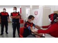 Koronayı yenen 24 itfaiyeci immün plazma bağışında bulundu