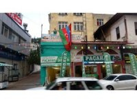 Kozanlı esnaftan Azerbaycan'a bayraklı destek