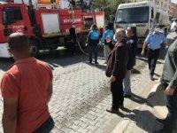Başkan Ensari, çatısı yanan esnafı ziyaret etti